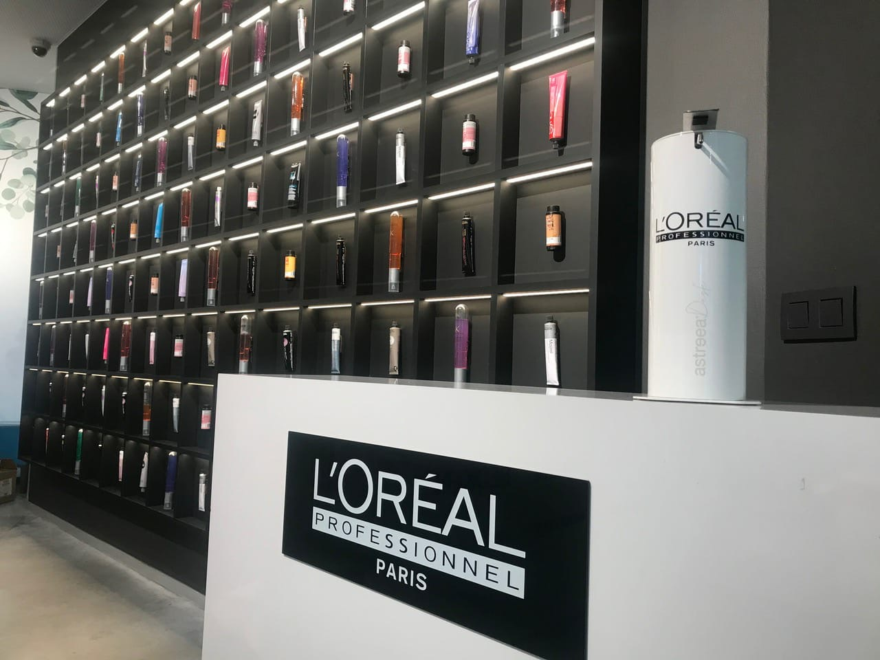 L'Oréal knows we're worth it, so it's introducing customised Astreea safety stations